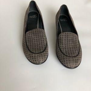 Dansko Shoes - Dansko Debra Houndstooth Slip On Loafer Grey Sz 7